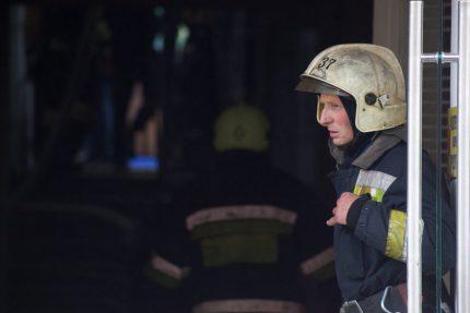 пожарный спасатель мчс