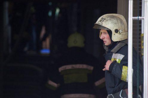 Пожар назаводе «Мезон» наБольшом Сампсониевском помешал любителям автомобилей