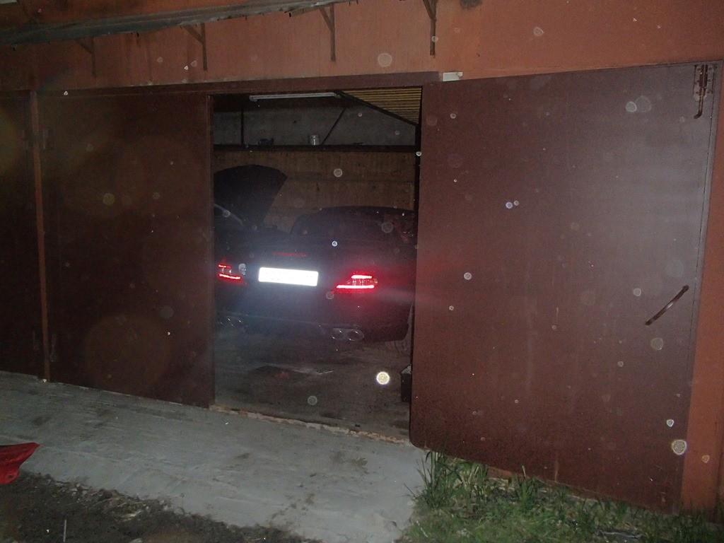 Тайник в гараже