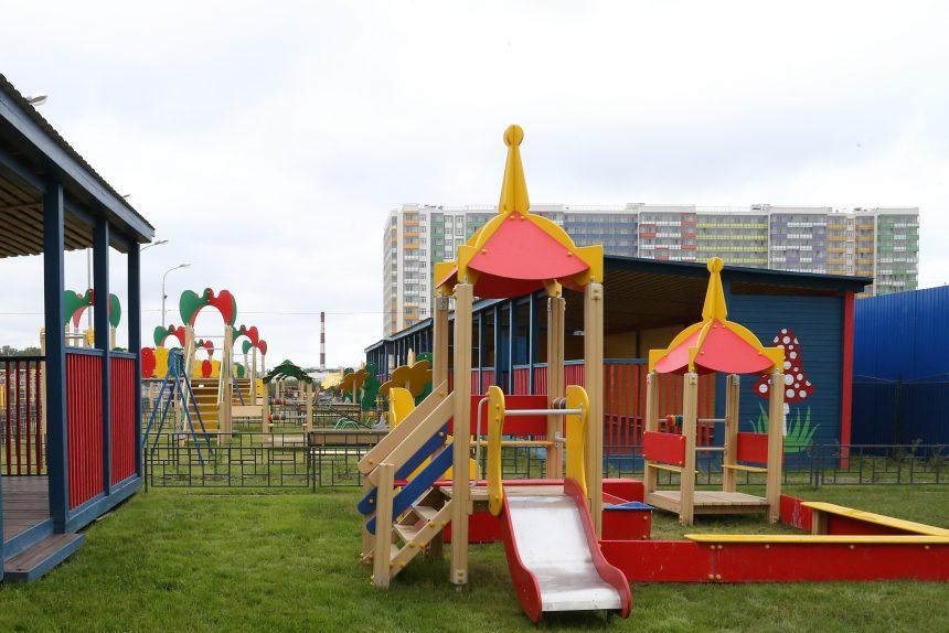 детский сад детская площадка фото пресс-службы Смольного