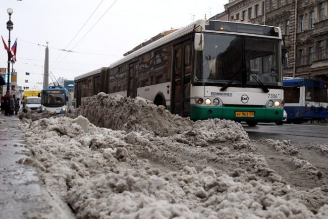 мокрый снег автобус