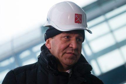 Игорь Албин в каске Зенит-Арена стадион на Крестовском