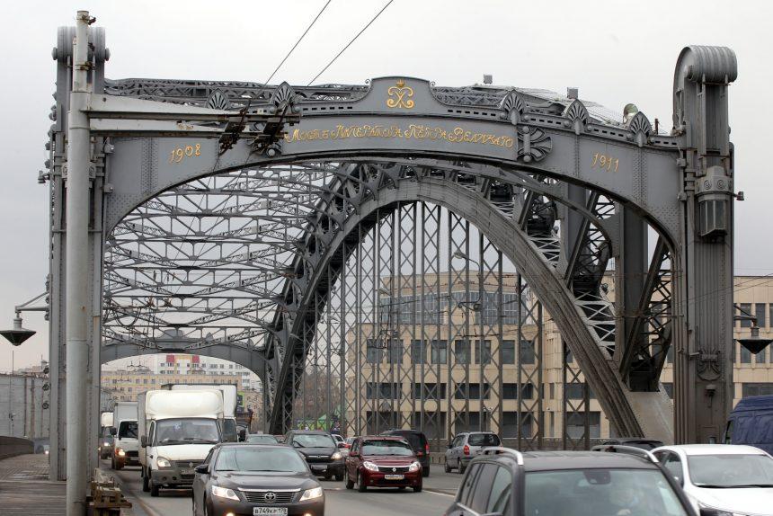 большеохтинский мост императора петра великого