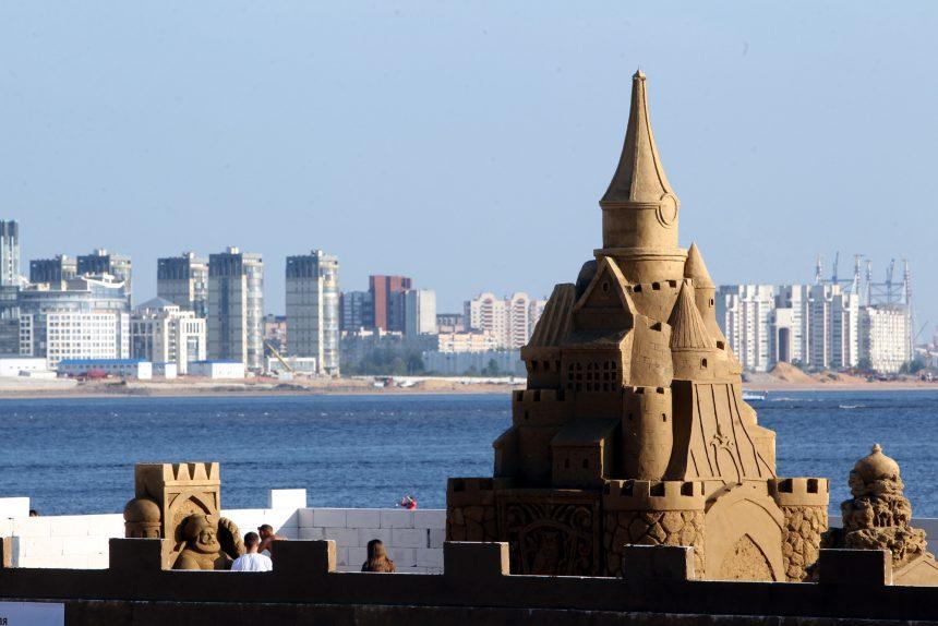 песчаные скульптуры замок финский залив парк 300-летия васильевский остров