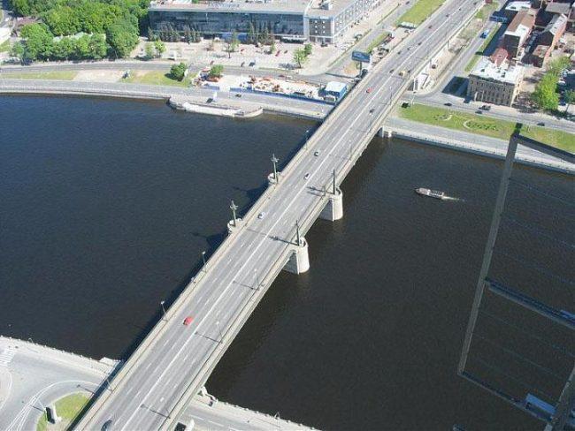 ВПетербурге вночь на19апреля разведут Кантемировский мост