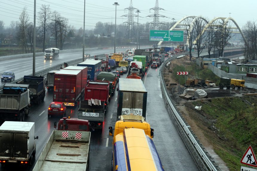 Беляевский мост через Охту КАД Кольцевая автомобильная дорога пробка