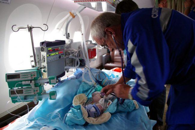 эвакуация санитарная авиация самолёт мчс медицина дети