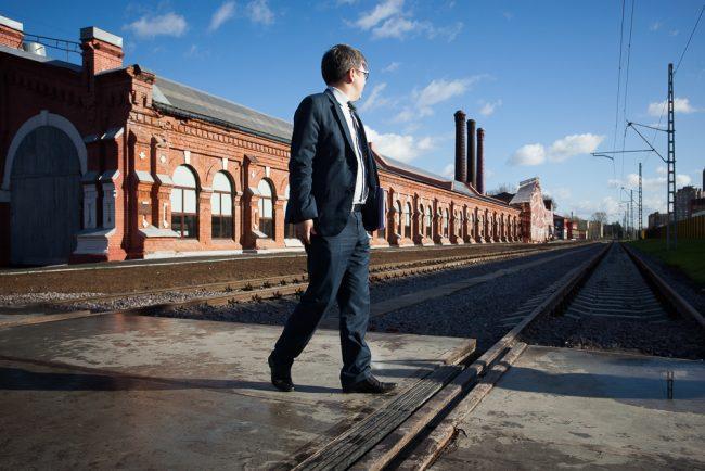 октябрьский электровагоноремонтный завод оэврз промышленность машиностроение рельсы железная дорога костюм пиджак