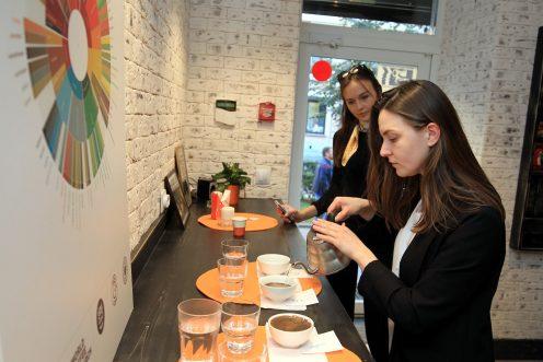 """Елена Казакова (справа). Фото: Илья Снопченко / ИА """"Диалог"""""""