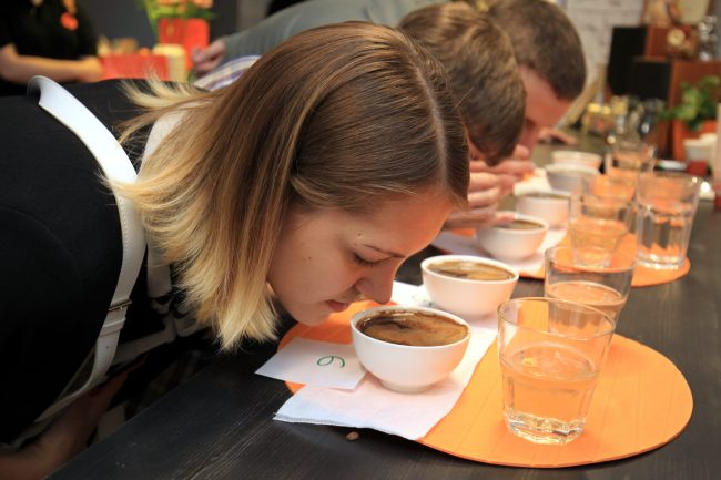 """Дегустация кофе. Фото: Илья Снопченко / ИА """"Диалог"""""""