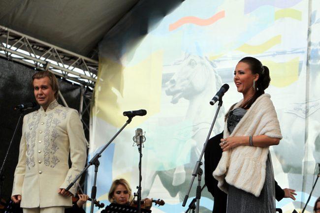 фестиваль музыка на неве площадь островского солисты сергей ермолаев и анна снегова