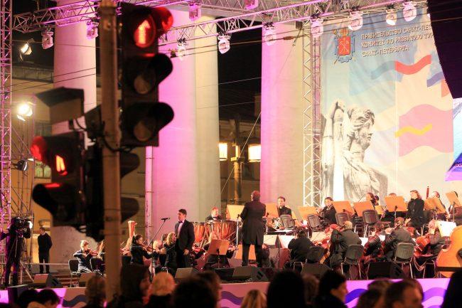 фестиваль музыка над невой стрелка васильевского острова биржа
