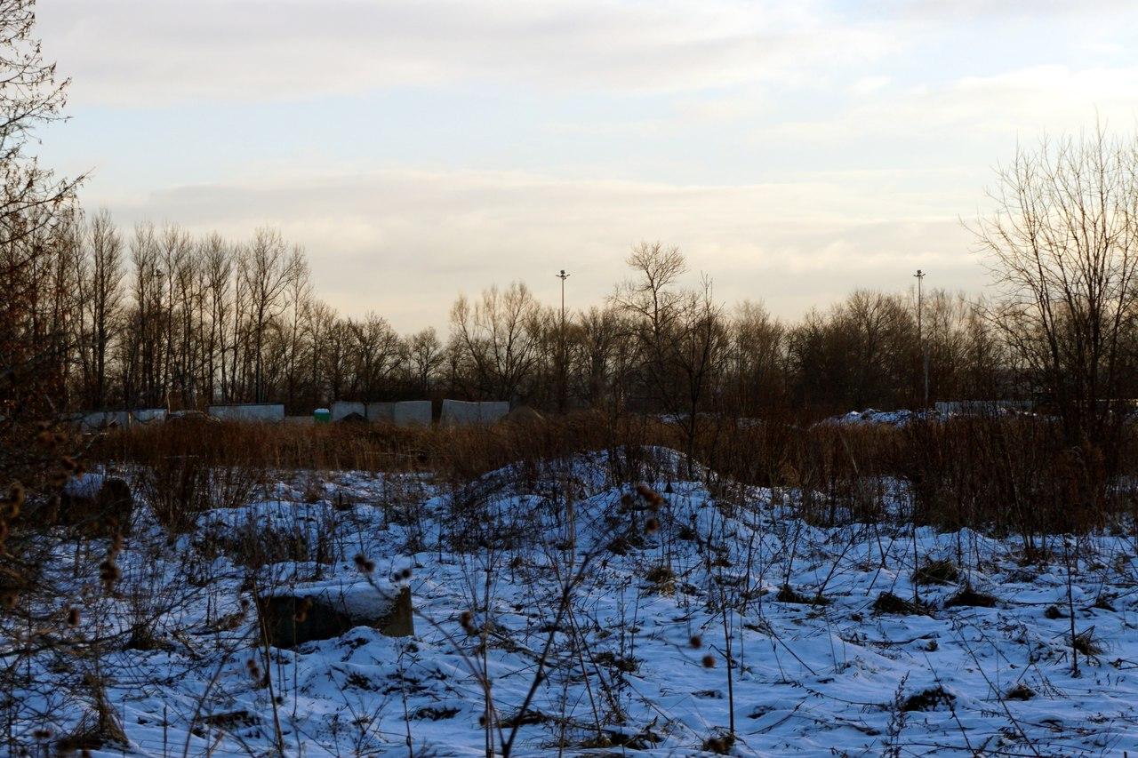 строительный забор рядом с пулковской обсерваторией