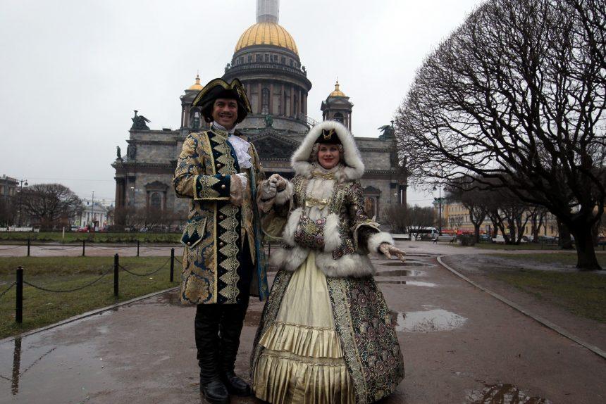 опрос новый год Мария (императрица Екатерина) и Пётр Первый