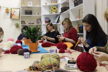 вязание шерсть рукоделие мастера благотворительная организация Перспективы