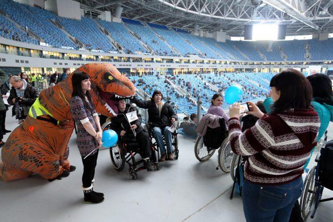 стадион на крестовском зенит-арена концерт фестиваль радио зенит инвалиды динозавр