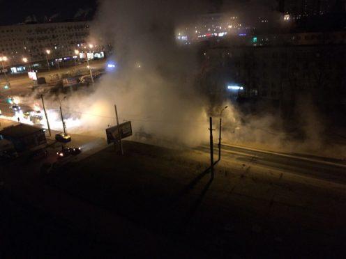 Наюге Петербурга 279 домов остались без горячей воды из-за прорыва трубы