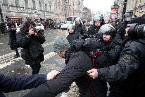 Дела 89 задержанных навоскресных митингах вПетербурге передали всуд