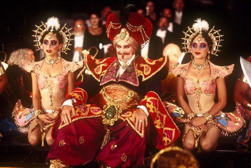 """кадр из фильма """"Мулен Руж"""" (Moulin Rouge!), 2001/Twentieth Century Fox Film Corporation/Bazmark Films/Angel Studios"""