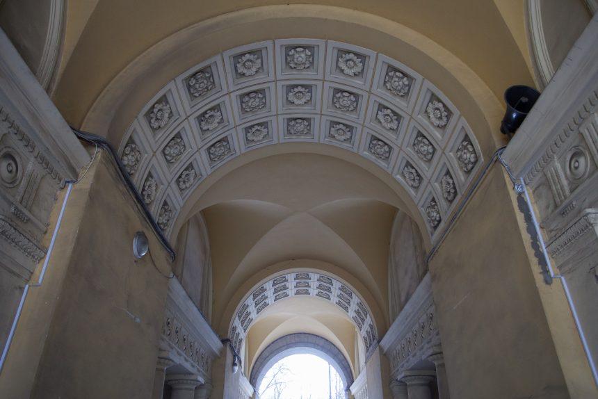 двор литейный 46 арка архитектура