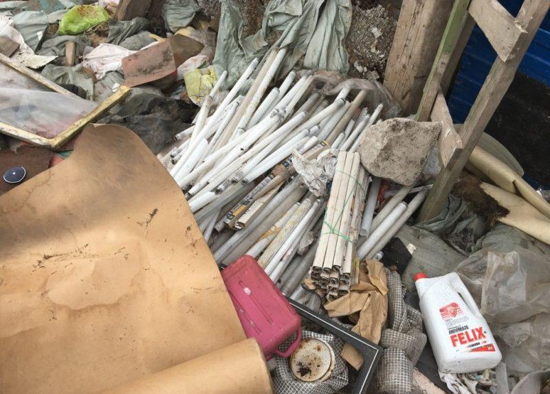 загрязнение окружающей среды экология мусор свалка помойка опасные отходы ртутные лампы