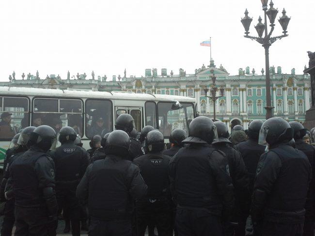 45 мин.  назад В северной столице  задержали всех участников «прогулки оппозиции»