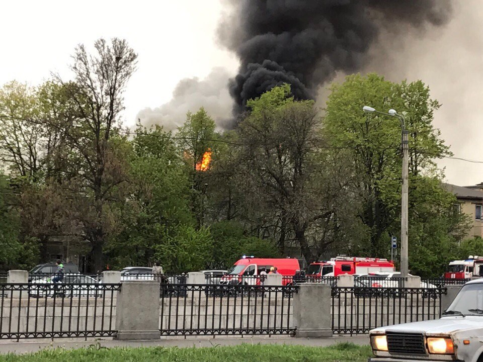 Пожар повышенной трудности появился в помещении прежнего ДКвПетербурге
