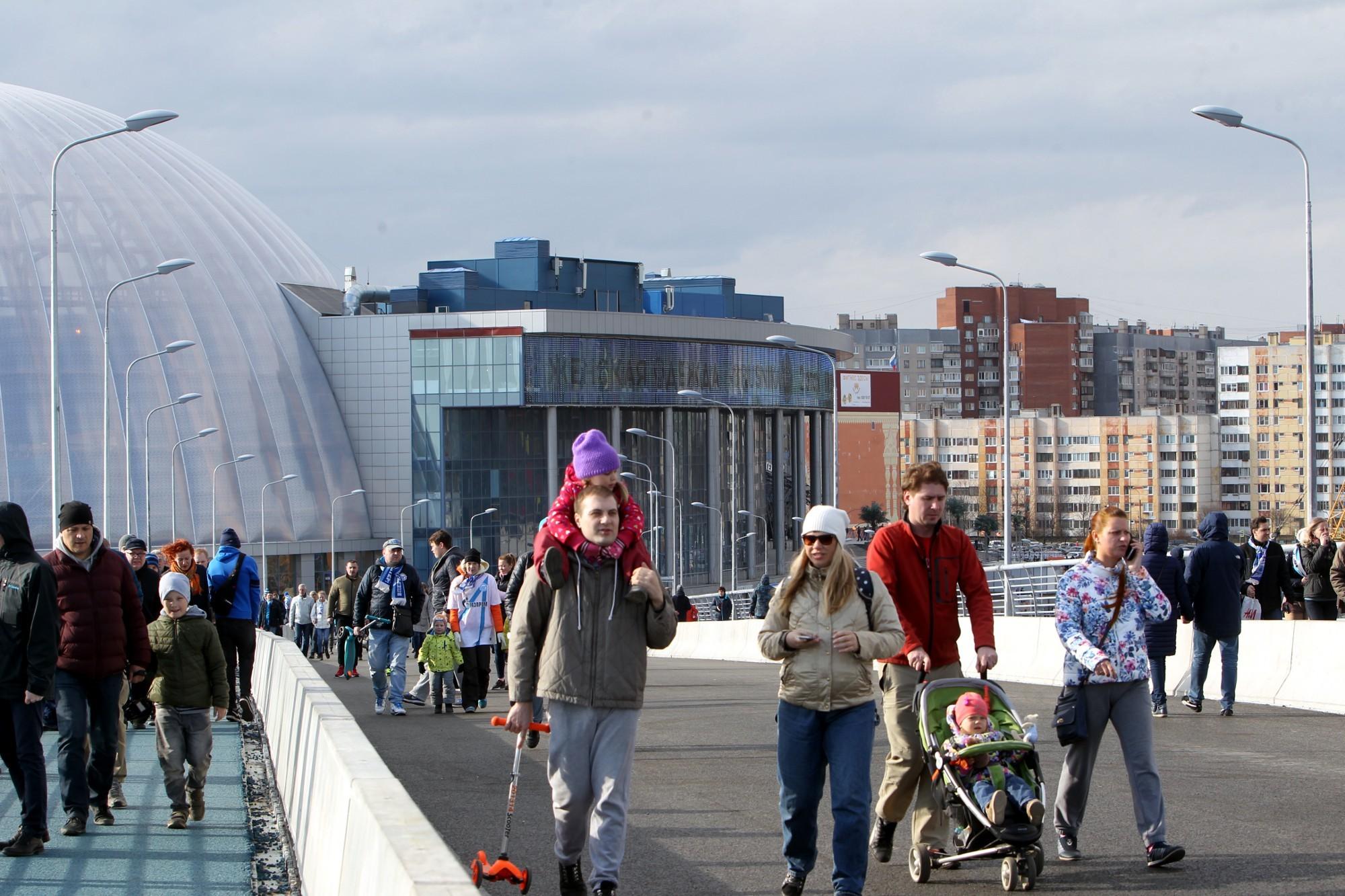 Яхтенный мост около «Зенит-арены» открыли для пешеходов