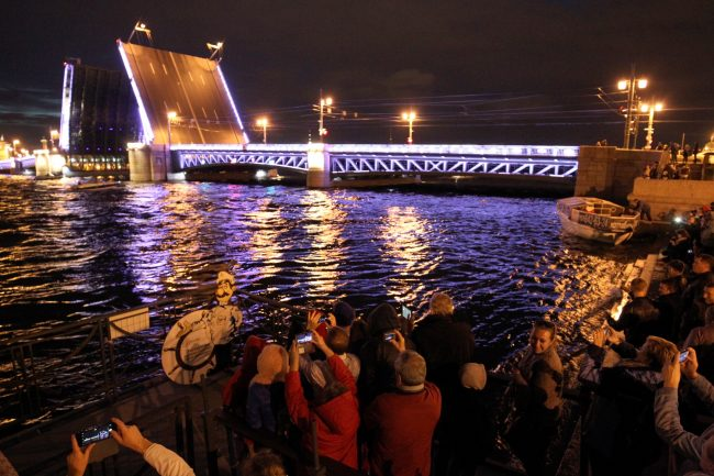 Поющие мосты Нева Дворцовый мост