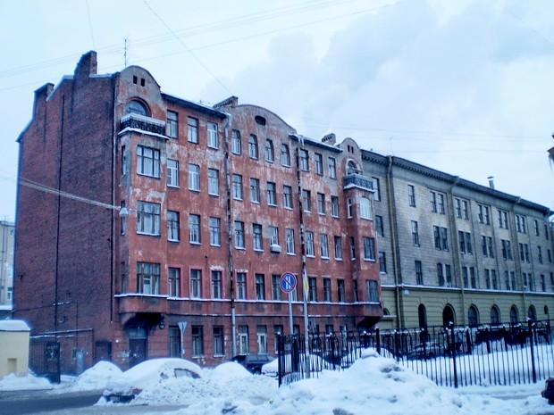 доходный дом А. Г. Изотова Кирилловская улица
