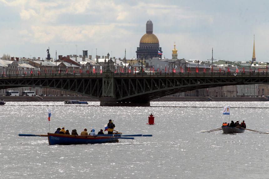 День Победы Нева Троицкий мост шлюпочный парад