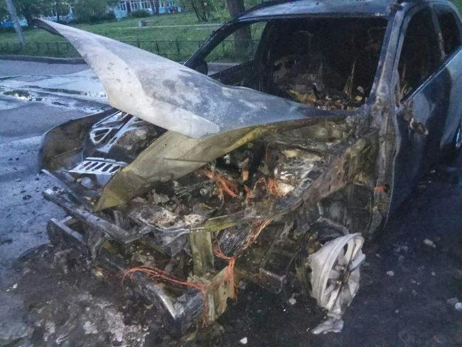 пожар сгоревший автомобиль
