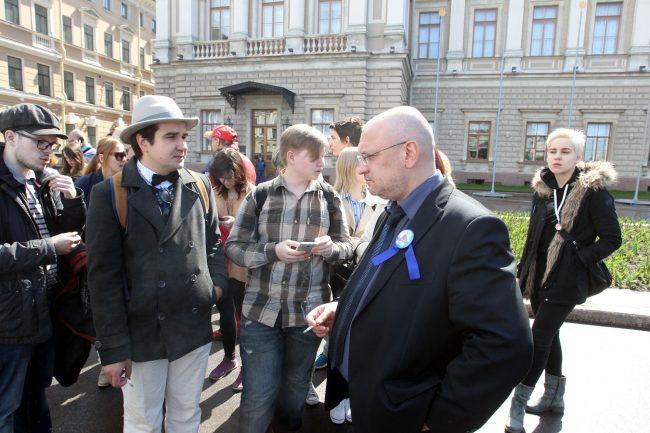 встреча с депутатами Максим Резник Исаакиевская площадь