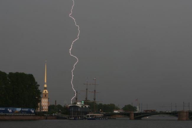 С 20 по 22 июня в Петербурге и Ленобласти будут идти дожди с сильным ветром