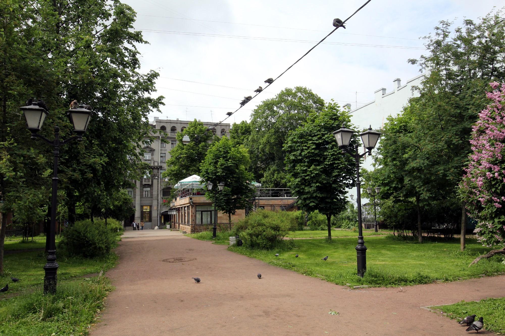 сквер зелёная зона Загородный проспект 40