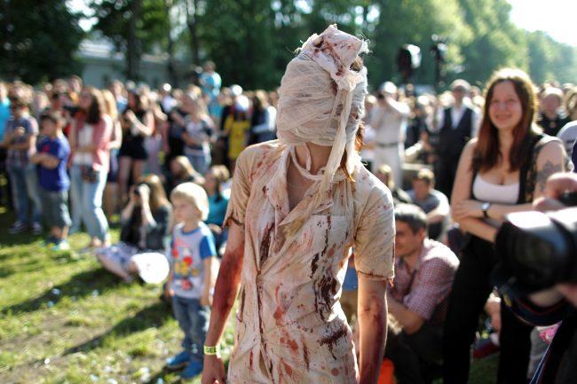 косплей медсестра Silent Hill зомби