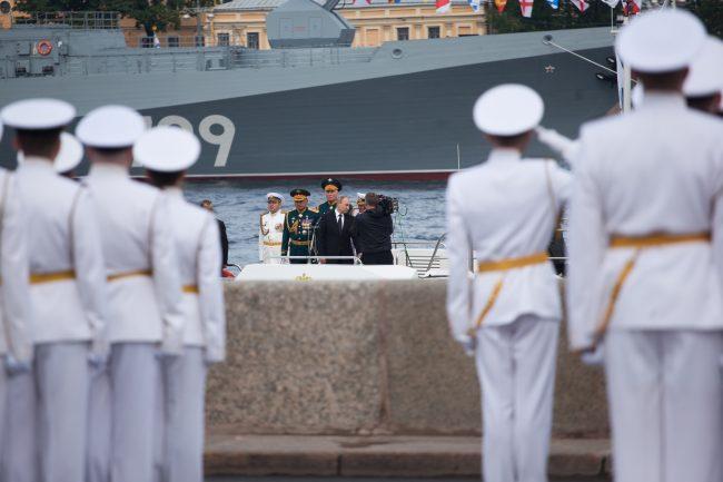 парад день военно-морского флота вмф моряки военные корабли владимир путин
