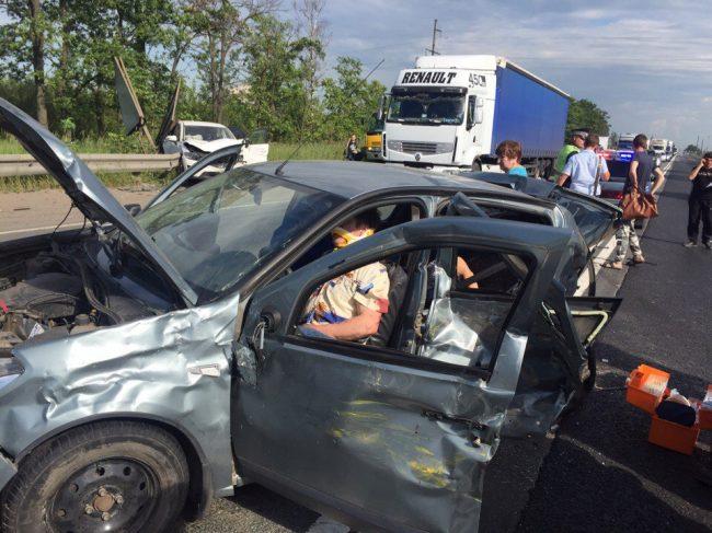 5 человек погибли вДТП с грузовым автомобилем вЛенинградской области