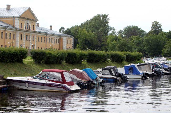 Карповка катера яхты водно-моторный клуб Петроградец