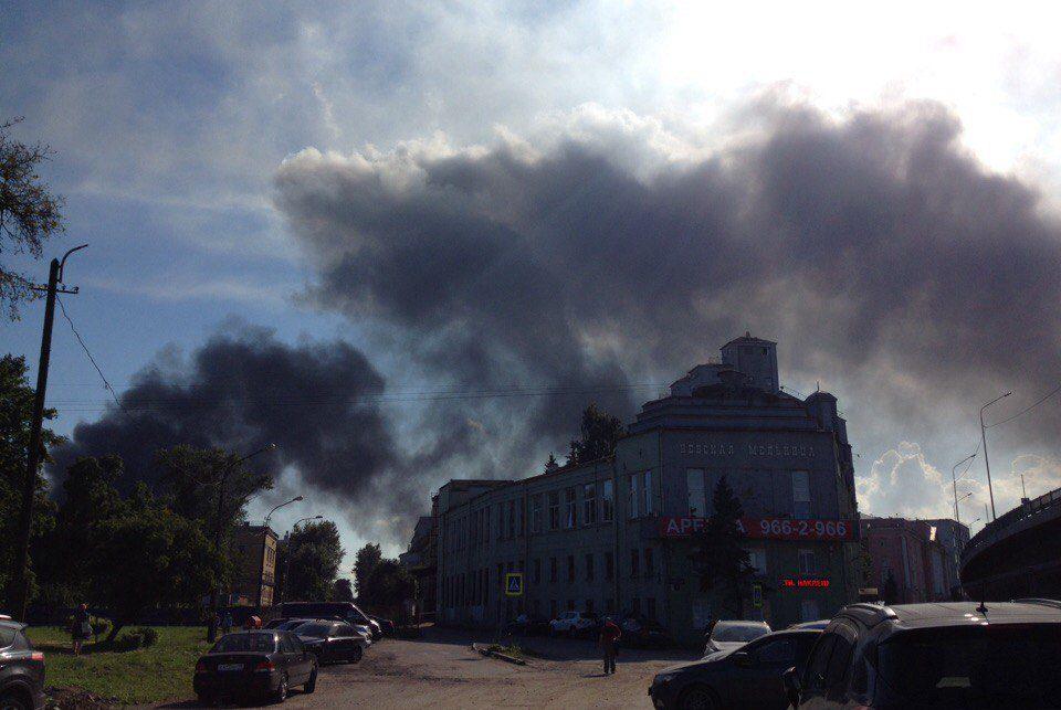 Появились новые детали крупного пожара вНевском районе Петербурга