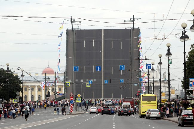 репетиция парада день ВМФ разведённый Дворцовый мост
