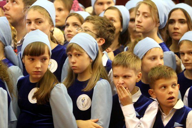 дети Петропавловский собор богослужение