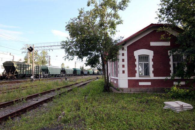 железнодорожная станция цветочная железная дорога вагоны хопперы