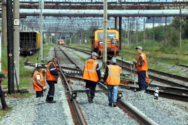 железнодорожная станция купчинская железная дорога рабочие путейцы ремонтный поезд