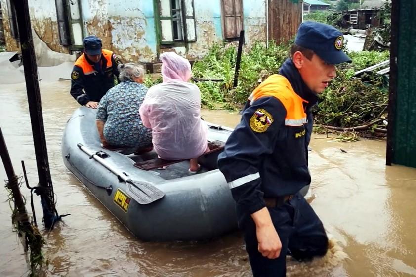 подтопление наводнение потоп тайфун Приморский край спасатели МЧС