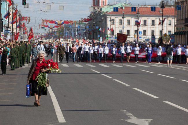 73-09.05.2016 - шествие по Невскому проспекту в День Победы