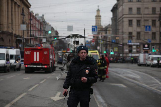 96-03.04.2017 - на Загородном проспекте после взрыва в петербургском метро