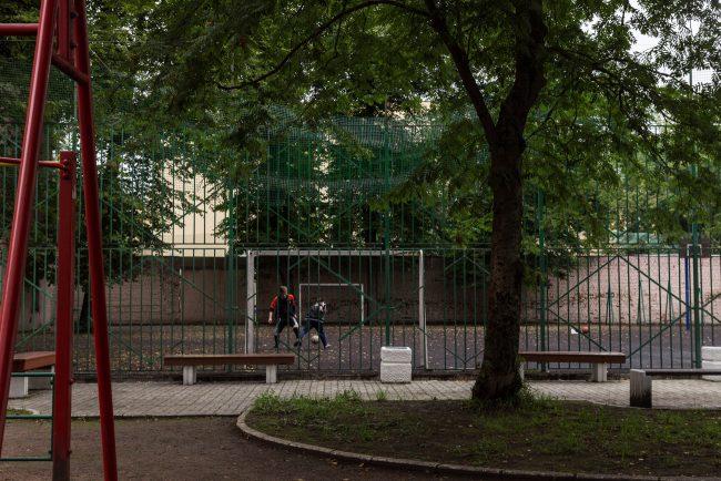 школа 80 мира 18  дети футбольное поле физкультура shkoli_mira18-4