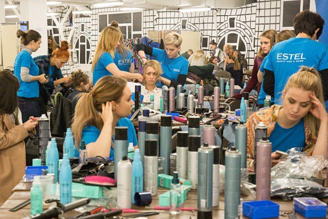 мода модели показ  визажисты парикмахеры лак для волос
