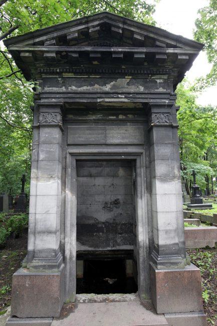 Склеп Лючии Гильзе-фан-дер-Пальс новодевичье кладбище